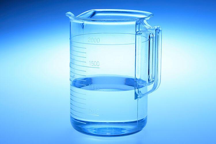 Su ekliyorsunuz.