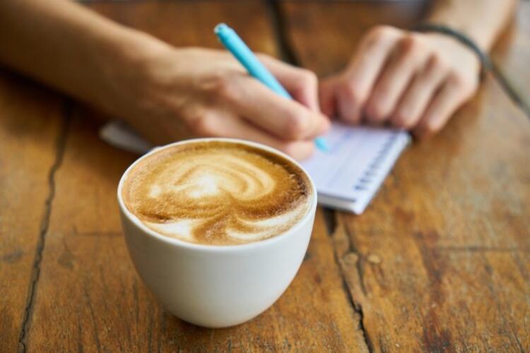 3) Çok fazla kahve içmek metabolizma hızını artırır mı