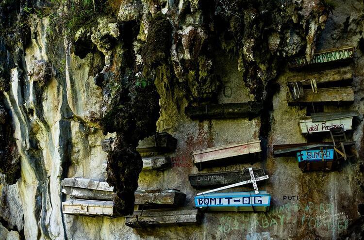 Filipinler / Askıdaki Tabutlar