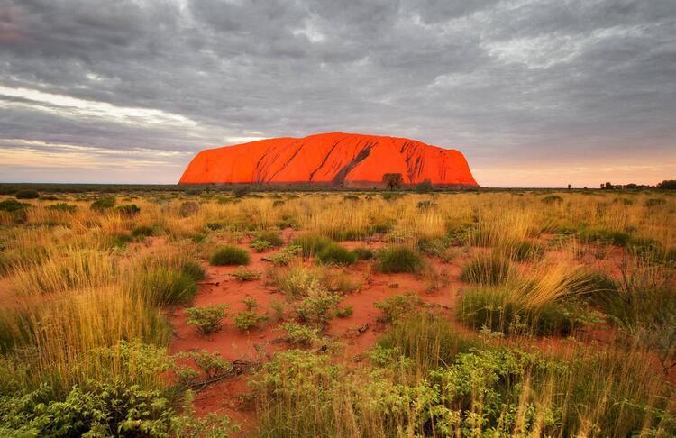 18- Uluru (Ayers Kayalıkları), Avustralya