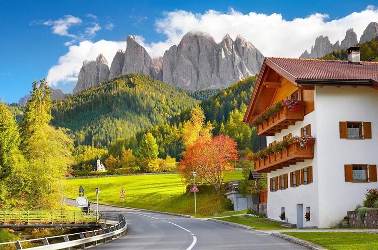 16- Dolomiti Dağları, İtalya