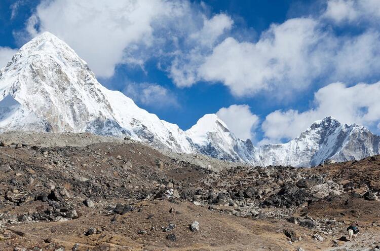 11- Everest Dağı, Nepal