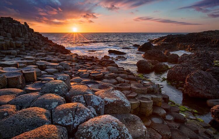 6- Devler Kaldırımı (Giant's Causeway), Kuzey İrlanda