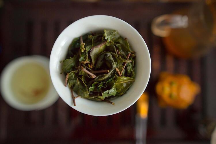 Ödeme karşı maydanoz ve yeşil çay kürü