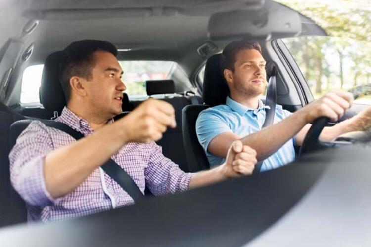 Yeni Ehliyet Alanlar Dikkat Iste Acemi Soforlerin Kullanacagi Araclar Otomobil Haberleri