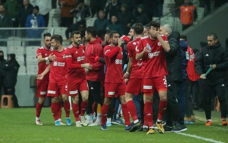 2 - Demir Grup Sivasspor 66 puan - Şampiyonluk oranı: % 35.5