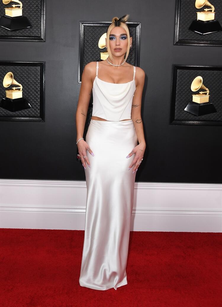 2020 Grammy Ödlülleri: Dua Lipa Stili