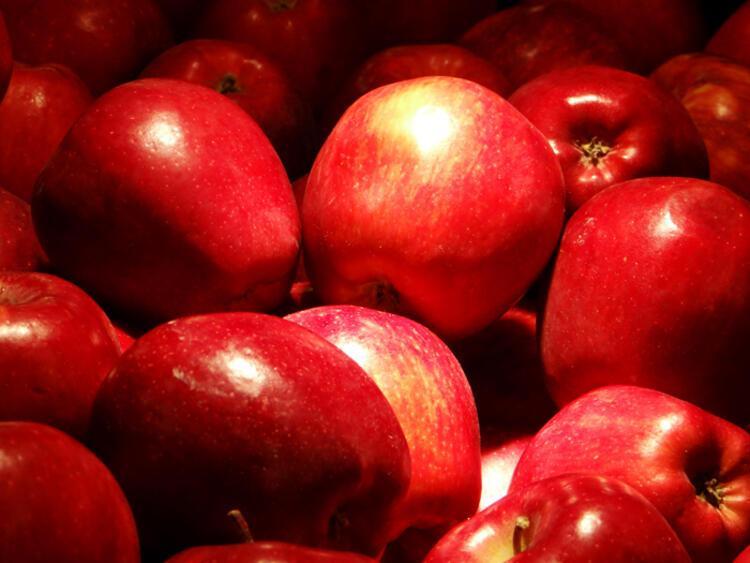 Elma kötü huylu kolesterolün düşmanı, nar tansiyonu düşürmeye yardımcı