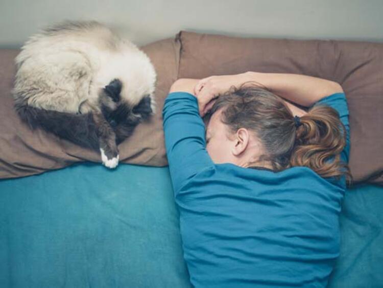 Kaliteli uyku (en az 5-6 saat, en çok 8-9 saat) için çaba gösterin