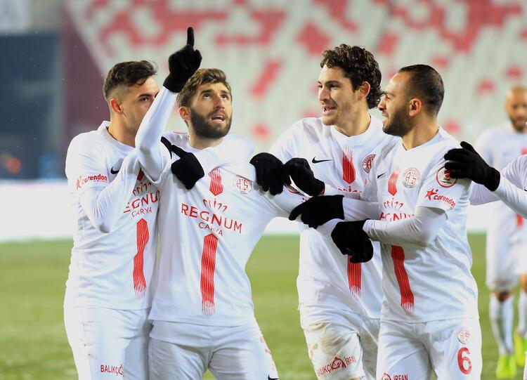 15 - Antalyaspor 35 puan
