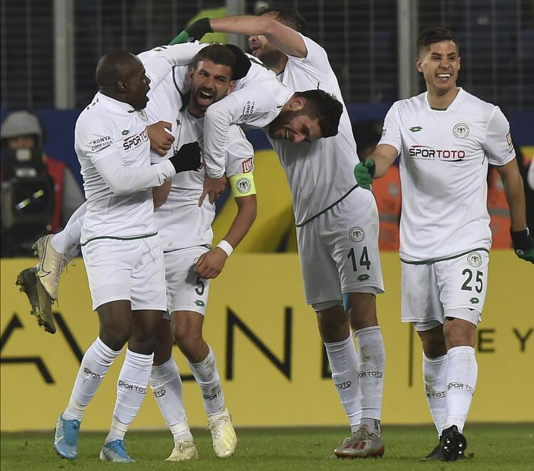 13 - İttifak Holding Konyaspor 35 puan