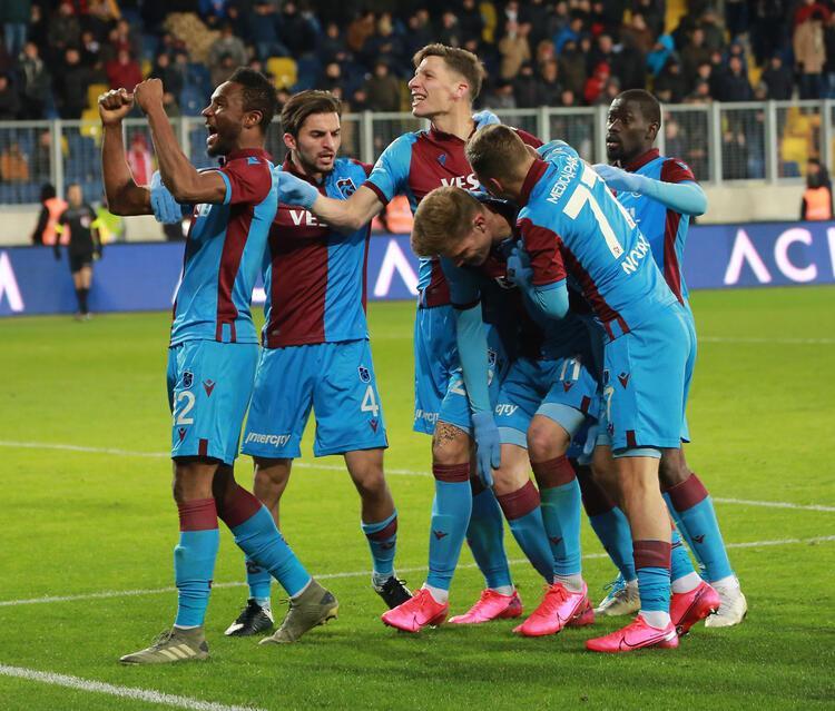 1 - Trabzonspor 65 puan - Şampiyonluk oranı: % 33.4