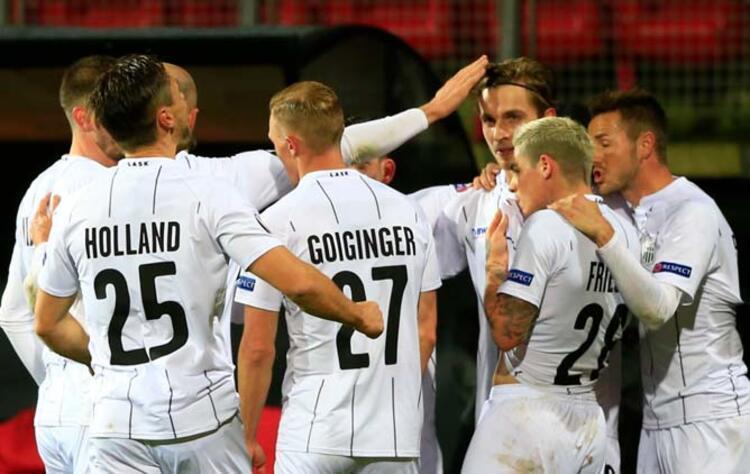 Avusturyanın iki takımından biri yoluna devam edebilir