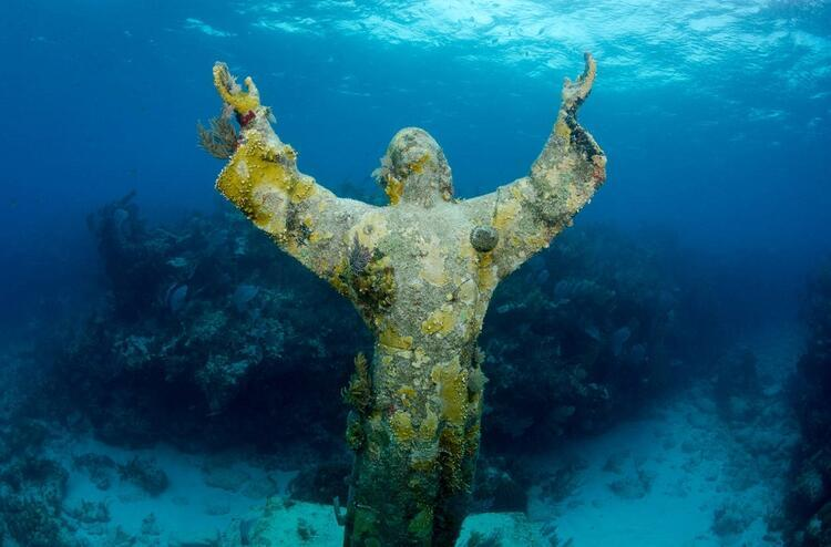 Christ of The Abyss / Derinliğin Mesihi (İtalya)