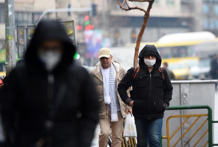 İranda 2 eyalet koronavirüs nedeniyle girişlere kapatıldı