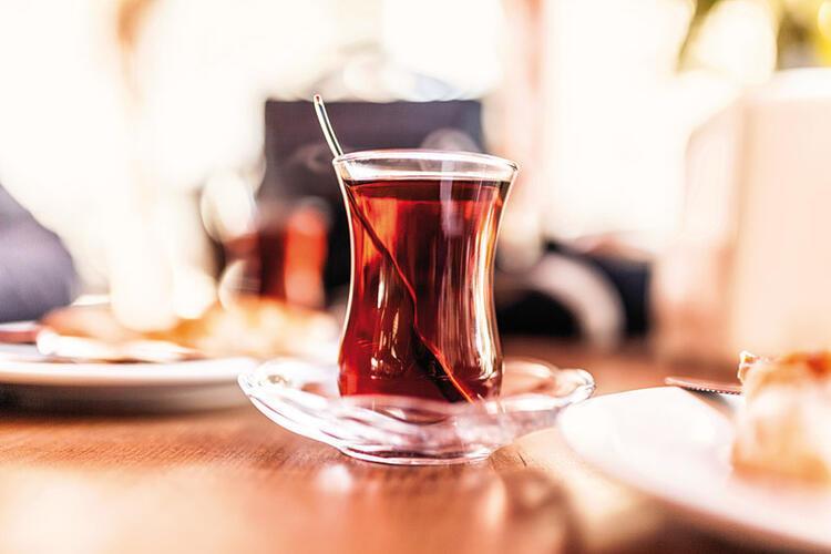 YANLIŞ 7 - Sıcak içecekler yudumlamak lazım