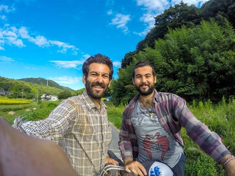 İki kişi başlayan yolculuk, farklı bölgelerde ekibe katılan yeni arkadaşlarla renklendi.