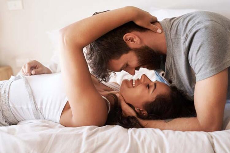 İlişki sırasında sizinle göz teması kuruyorsa...