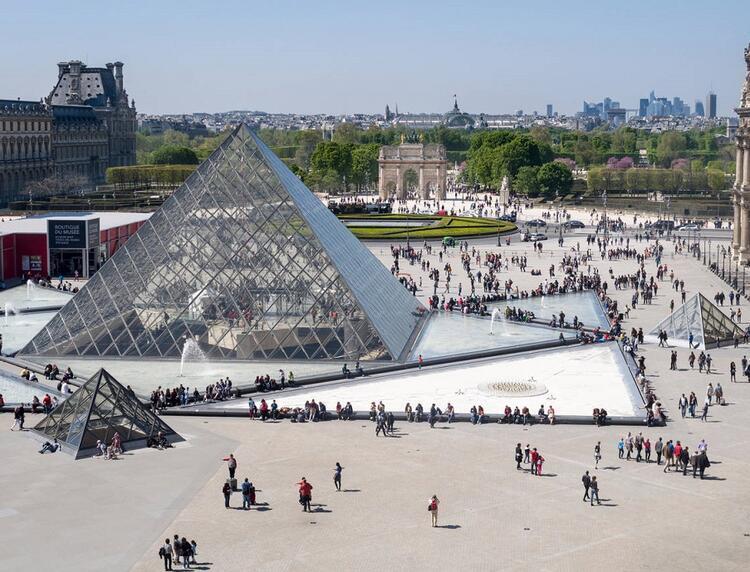 Louvre Müzesi / Fransa