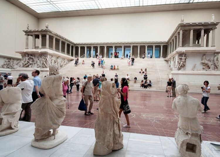 Pergamon Müzesi / Almanya