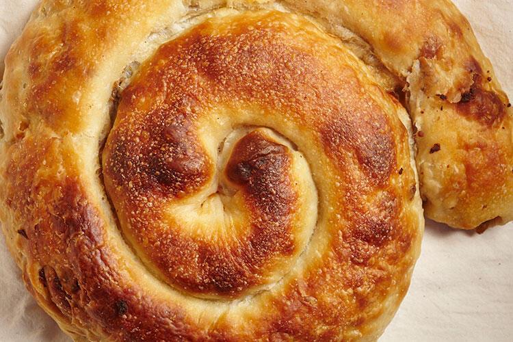 Kıymalı Boşnak böreği tarifi