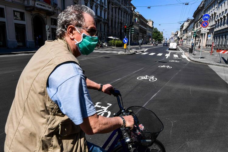 Fransada Kovid-19 nedeniyle ölenlerin sayısı 25 bin 201e yükseldi
