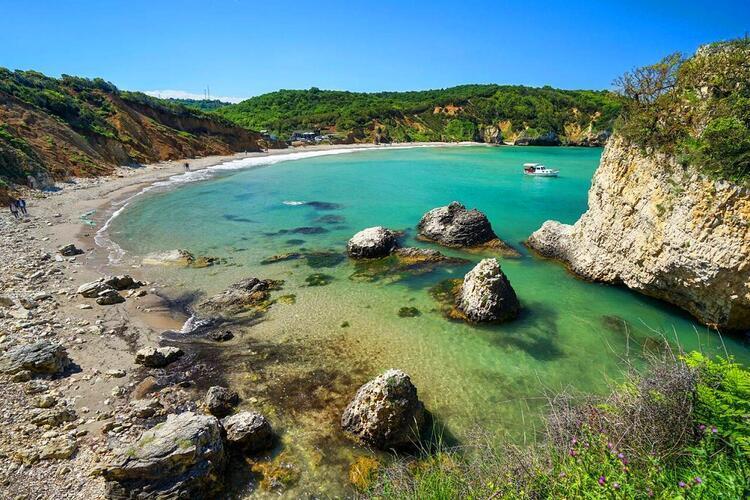 Günübirlik yerine bir hafta sonu iki gün boyunca denizin keyfini çıkarmak isteyenlere özel plajlar ise...