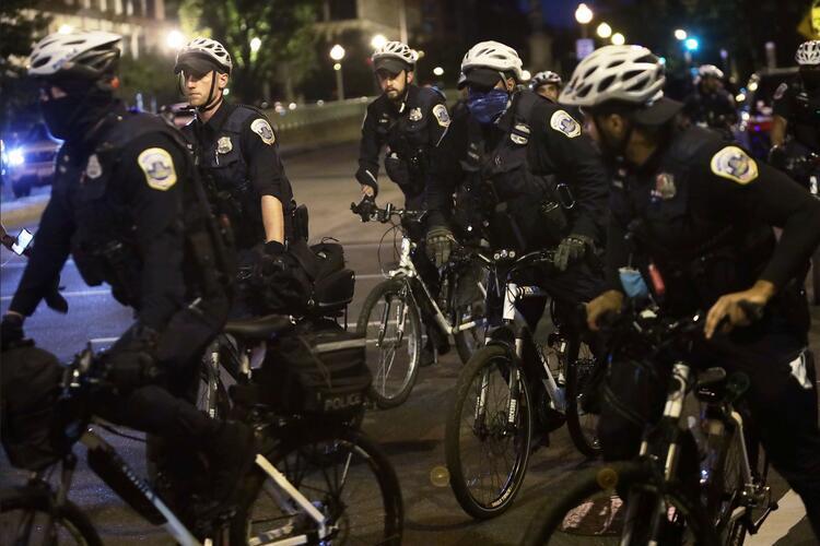 ABDde polisin ırkçı suçlarının kapatılması şiddetin devamına zemin hazırlıyor