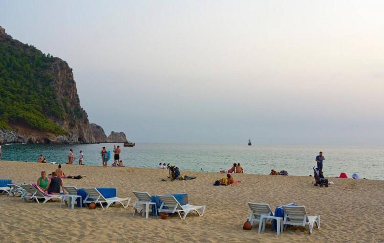 Damlataş Halk Plajı