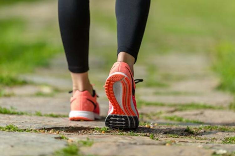 Günde en az 30 dakika yürüyüş yapın