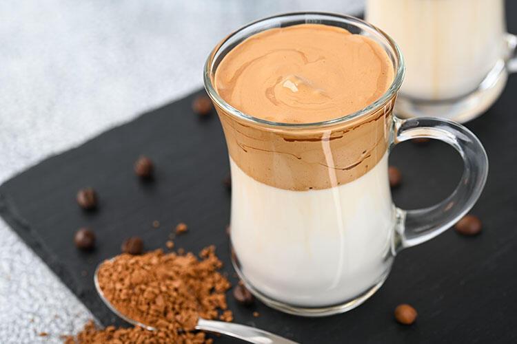 Dalgona kahve tarifi