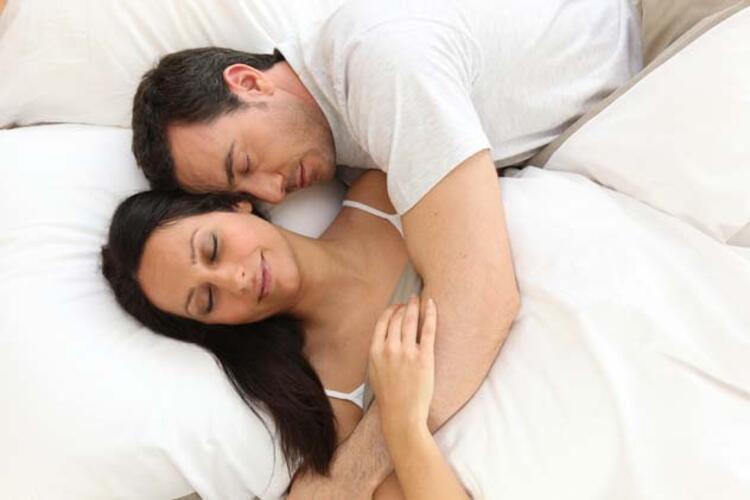 9. Kadının istemediği davranışlarda ısrar etmek