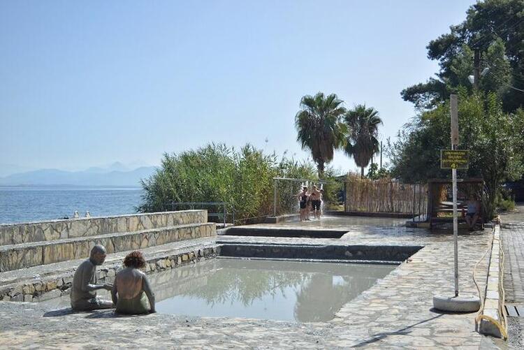 Çamur banyoları ve kaplıcalar