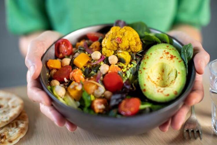 """""""Vejetaryen ve veganların sağlıklı ve dengeli bir beslenme planı oluşturmaları gerekiyor"""""""