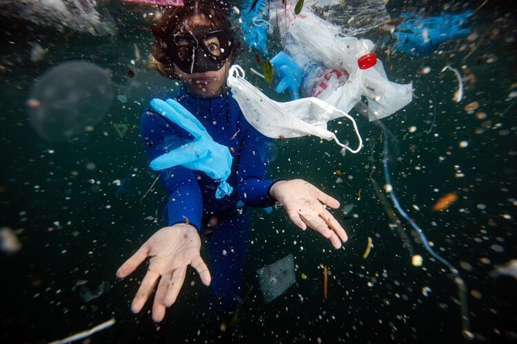 Her yıl 8 milyon ton atık denizlere karışıyor