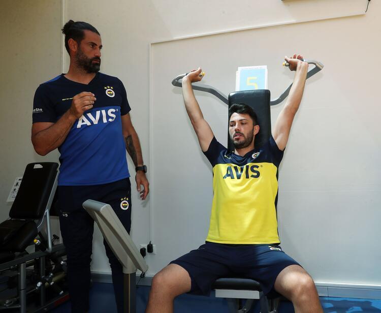 Fenerbahçenin salondaki antrenmanından kareler