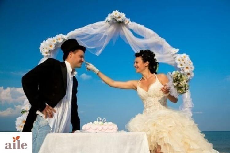 Deniz Kıyısında Romantik Bir Düğün