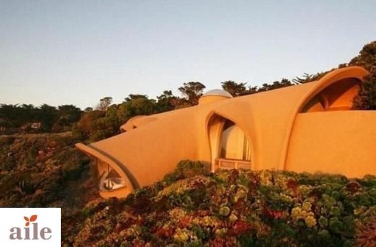 Modern Çakmaktaşların taş devrinden kalma evi