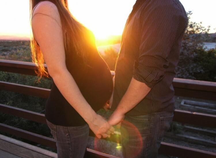 Yanlış: Hamilelikte cinsel ilişki zararlıdır