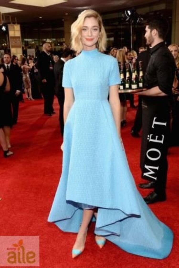 Caitlin Fitzgerald Emilia Wickstead elbisesiyle
