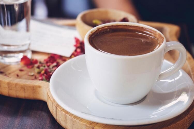 Kahve efsanesine inanma, kafeinin gücüne inan