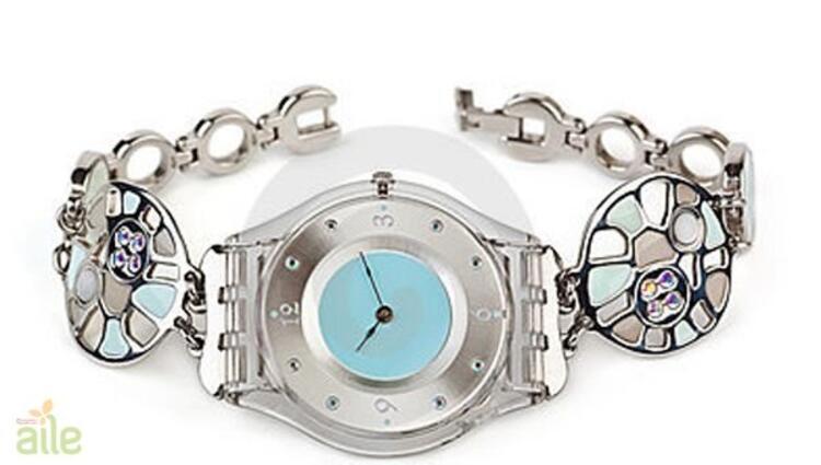 Oval kadranlı bileklik tarzı bayan kol saati