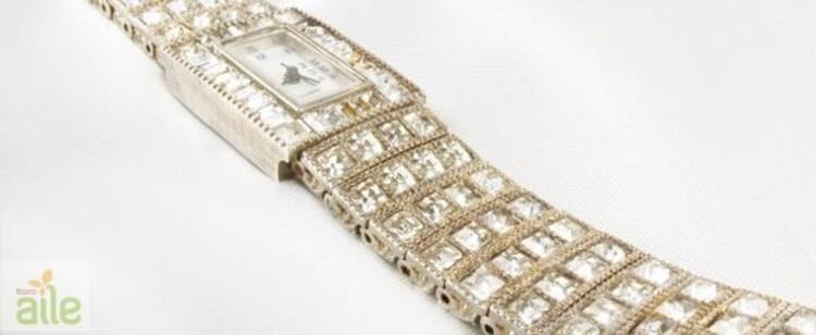 Taşlı bayan kol saati