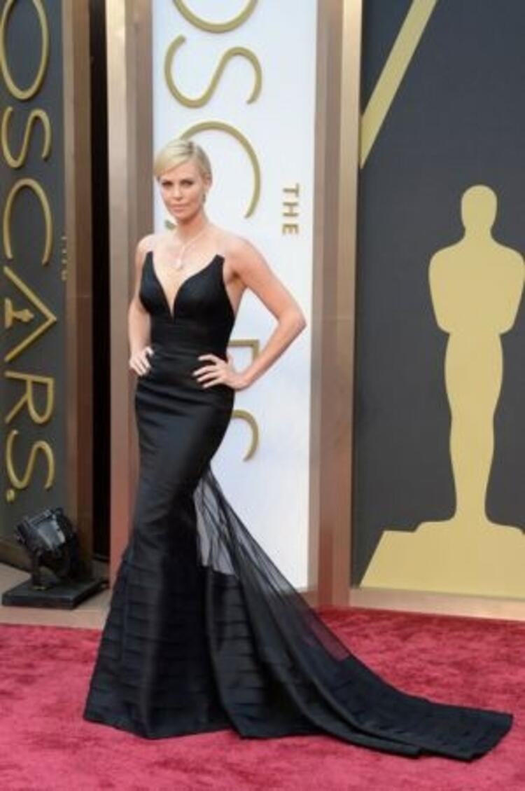 Charlize Theron-Dior Couture