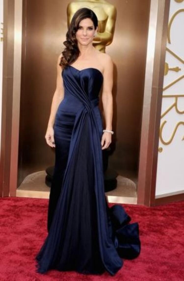 Sandra Bullock-Alexander-McQueen
