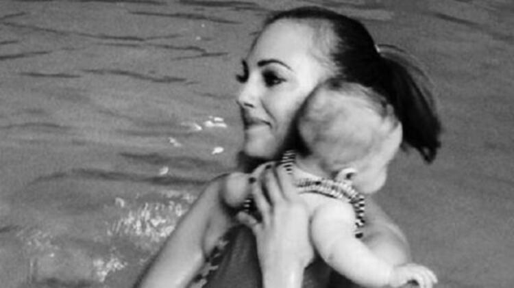 Meryem Uzerli ve bebeği Lara
