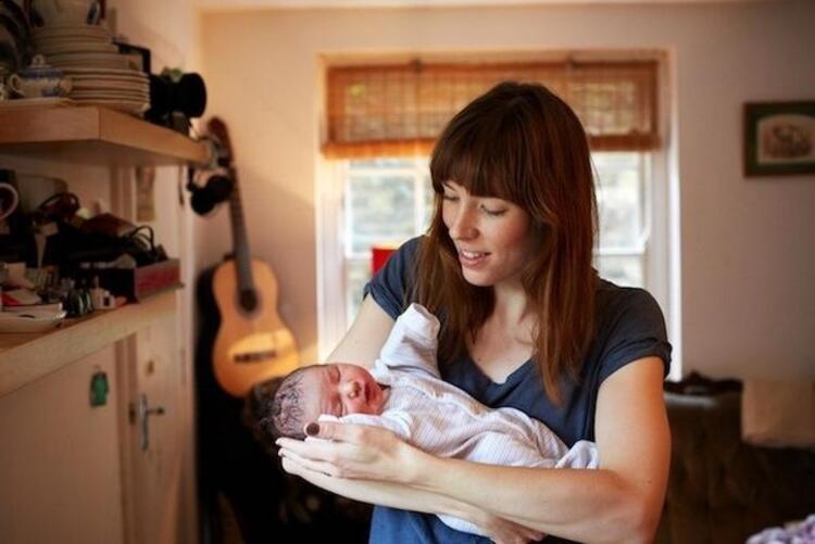 Anneler ve 1 günlük bebekleri