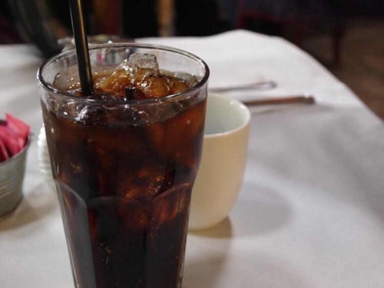 Gazlı içecekler ve light ürünlerden kaçının