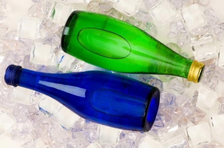 Maden suyu ile soda farklı içecekler