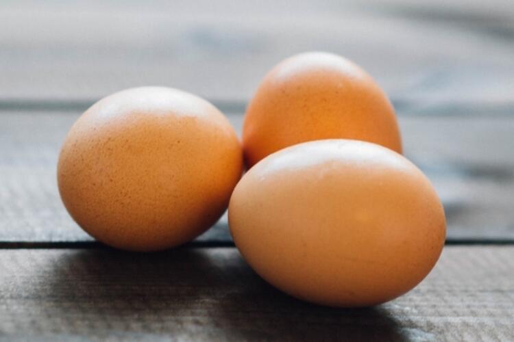 Yumurta: Buzdolabına yerleştirirken asla yıkamayın